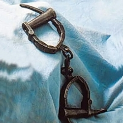 Medieval Female Handcuffs